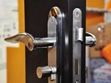 全上海开锁换锁芯防盗门保险箱汽车锁指纹锁配汽车钥匙