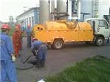 通辽专业抽化粪池盖好化粪池井盖用清水冲洗工作现场
